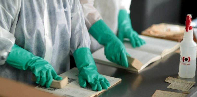 מעבדה לשיקום מסמכים, ניירות, יצירות אומנות ועוד.