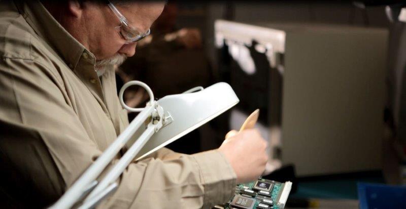 מעבדה לשיקום ציוד אלקטרוני