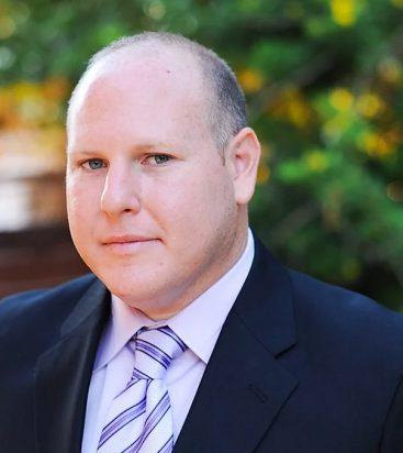 """אלון רוזן, לשעבר מנכ""""ל המשרד להגנת העורף וכיום יועץ אסטרטגי לחברת בלפור ישראל"""